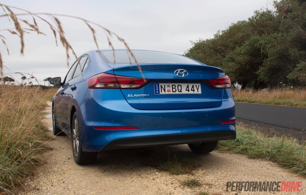 2016 Hyundai Elantra-rear