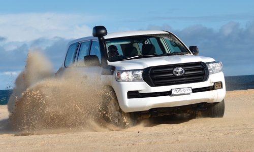 2016 Toyota LandCruiser GX review (video)
