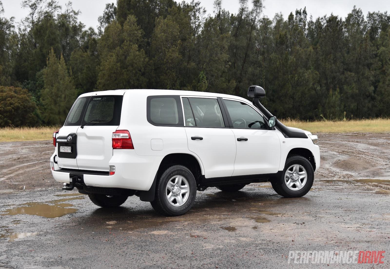 2016 Toyota Landcruiser Gx Review Video Performancedrive