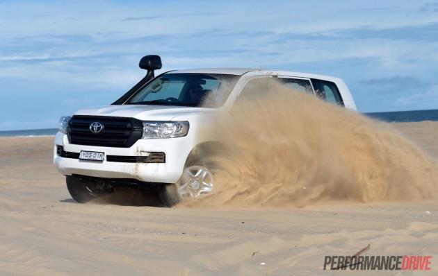 2016 Toyota LandCruiser GX-sand spray