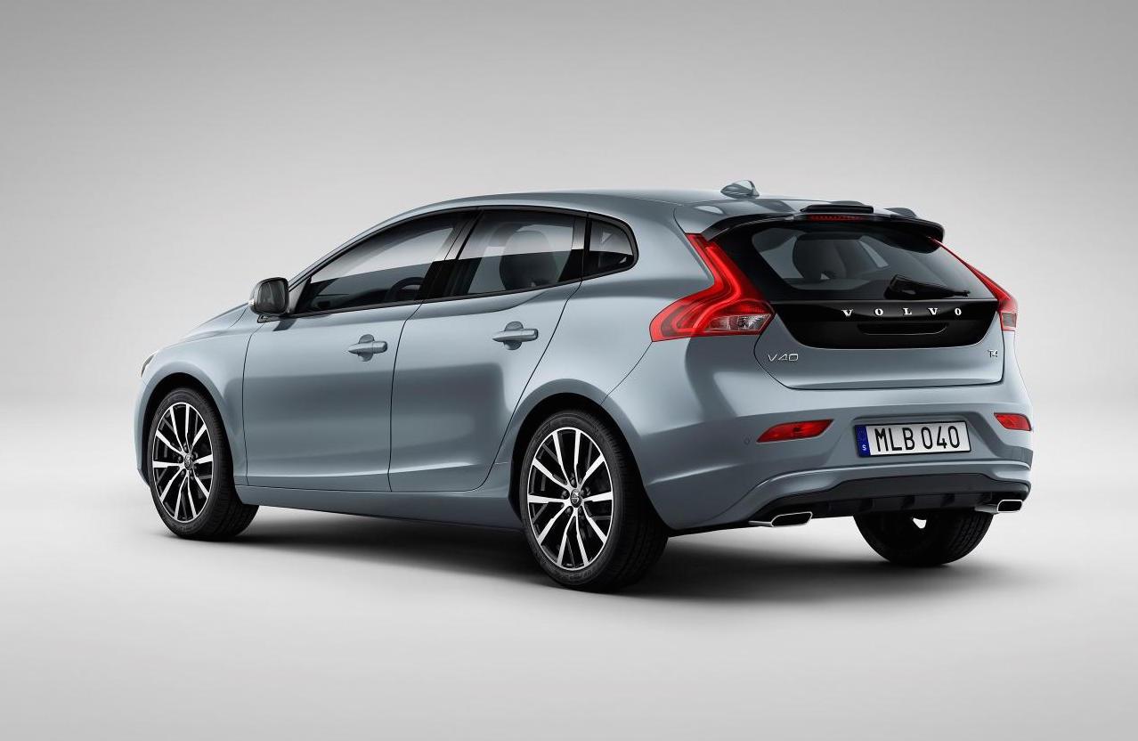 2017 Volvo V40 revealed, gets 'Thor Hammer' LED headlights | PerformanceDrive