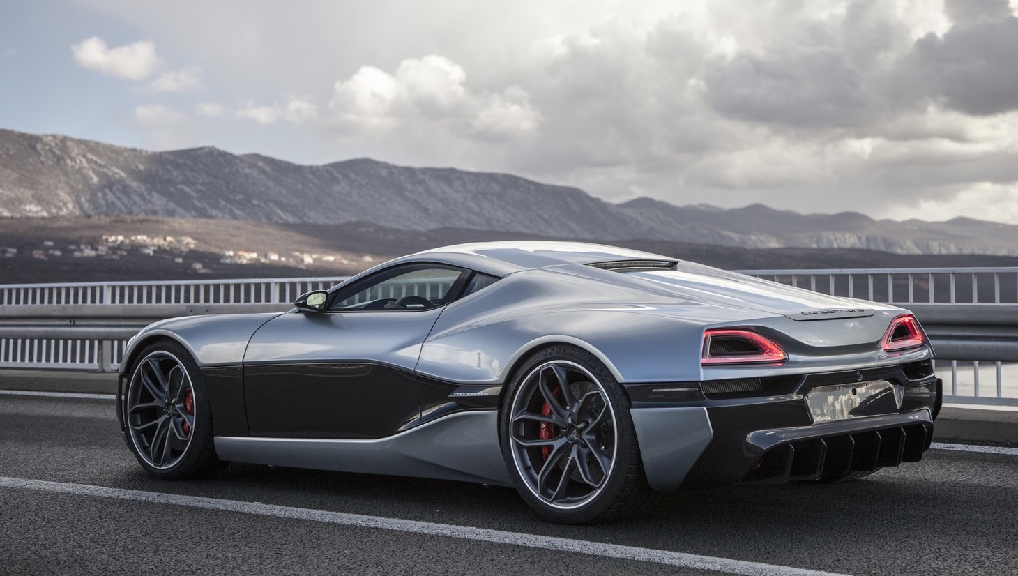 800kw rimac concept one revealed will go into production. Black Bedroom Furniture Sets. Home Design Ideas