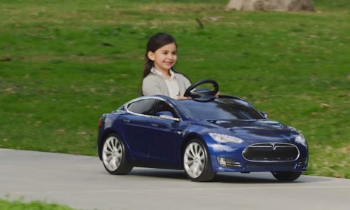 Toy-sla Model S for kids has electric motor, working headlights
