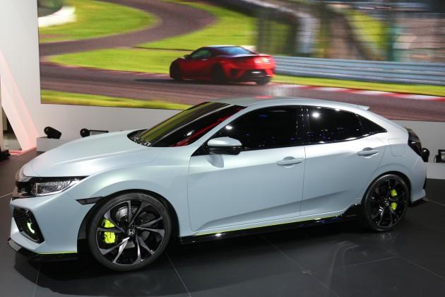 2016 Geneva Motor Show-Honda Civic hatch prototype side