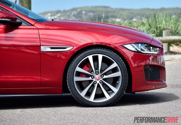 2016 Jaguar XE S-19in Venom wheels
