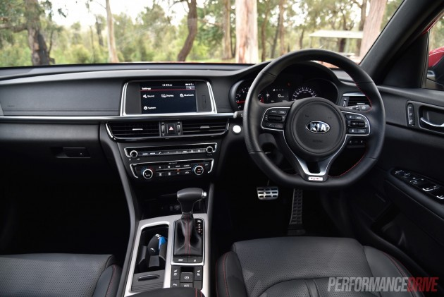 2016 Kia Optima GT-dash