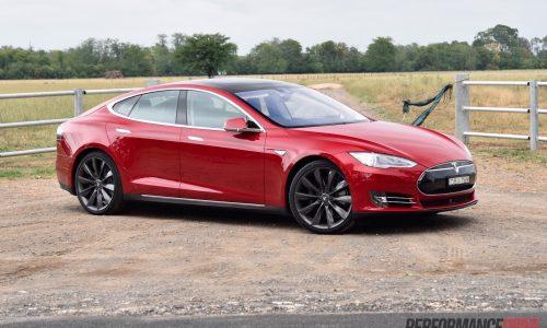 2016 Tesla Model S 90D 7.1 review (video)