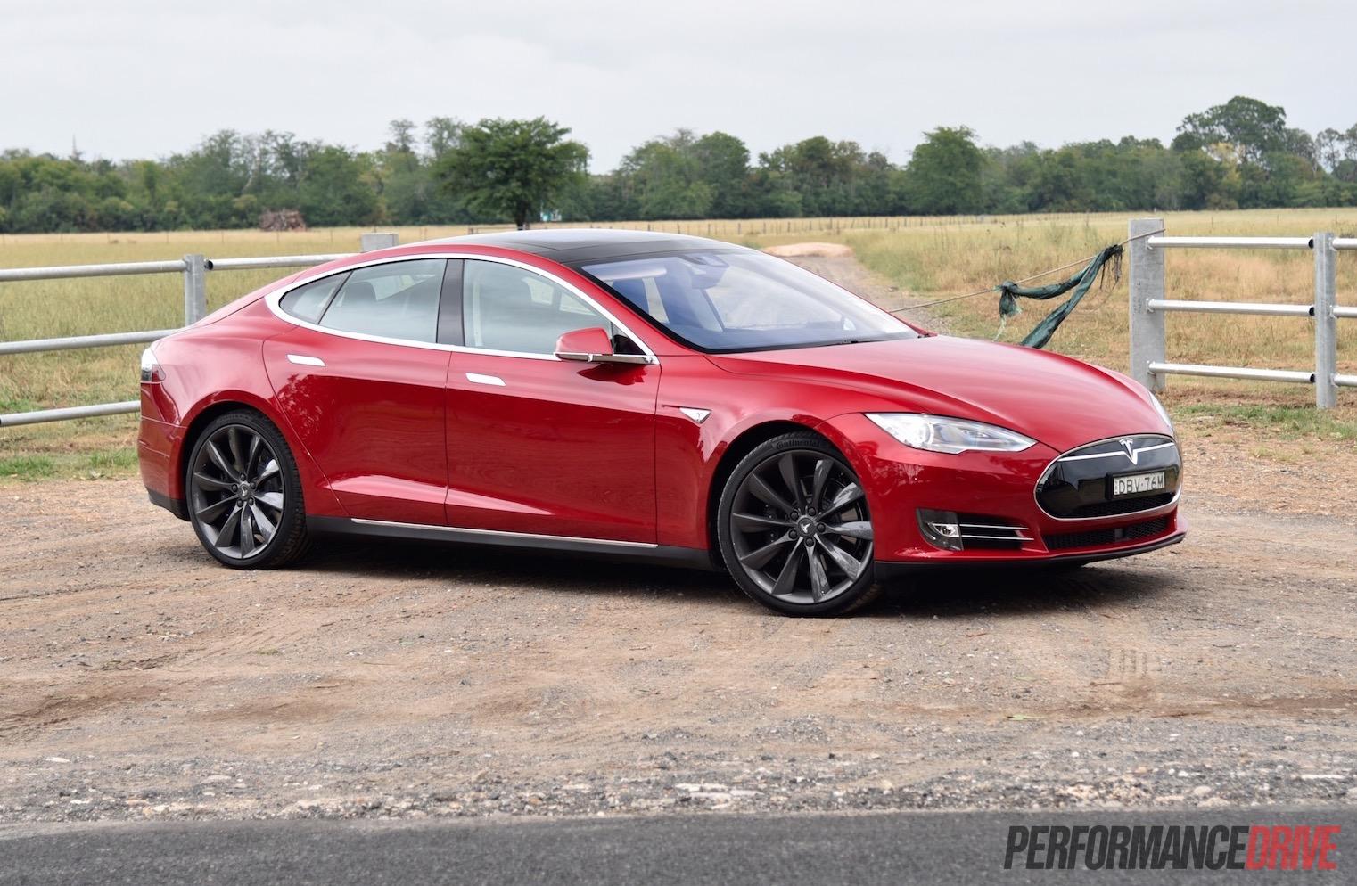 2016 Tesla Model S 90d 7 1 Review Video Performancedrive