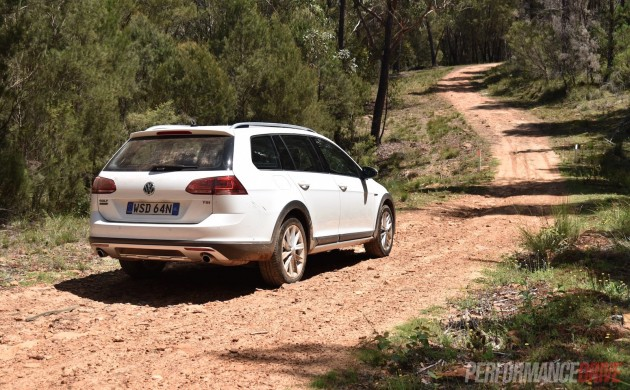 2016 Volkswagen Golf Alltrack-dirt