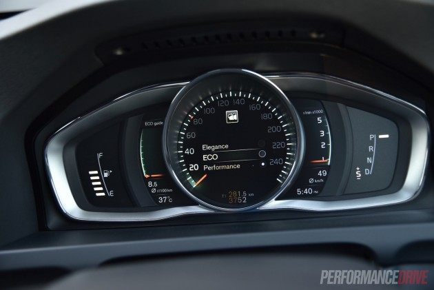2016 Volvo V60 Cross Country-display modes