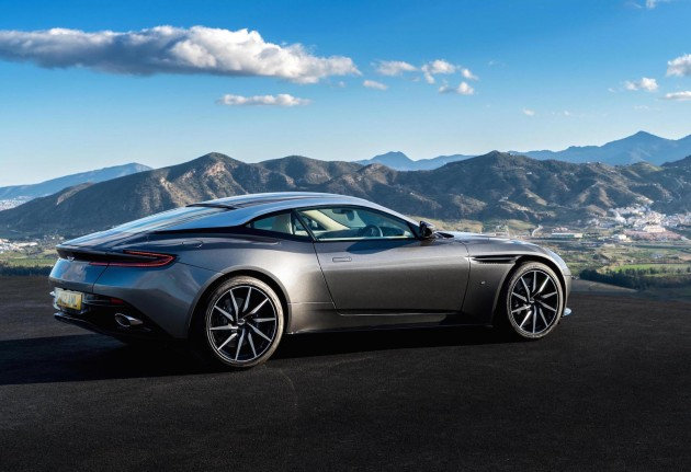 Aston Martin DB11-view