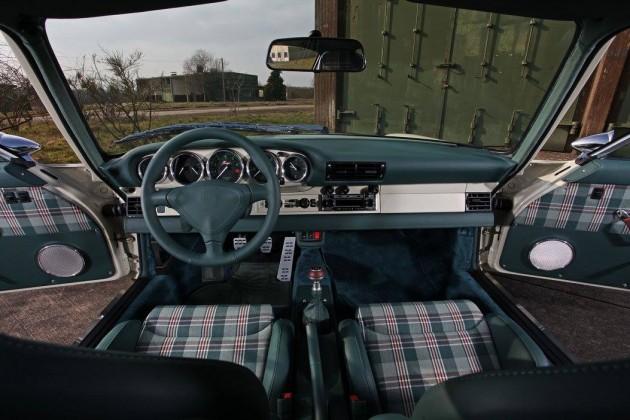 KAEGE Porsche 911-dash