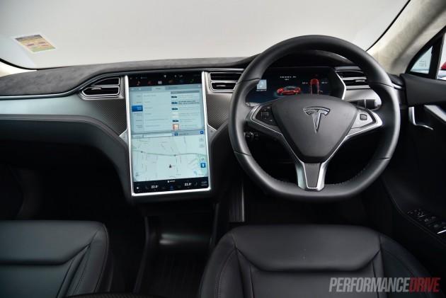 Tesla Model S 90D-dash
