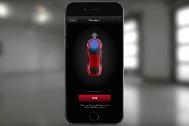 Tesla Model S Summon parking app