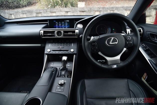 2016 Lexus IS 200t F Sport-dash