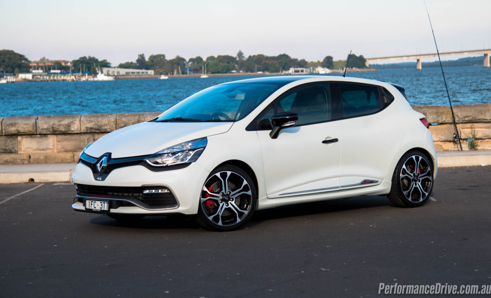 Renault clio rs review