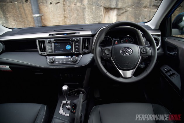 2016 Toyota RAV4 Cruiser-dash