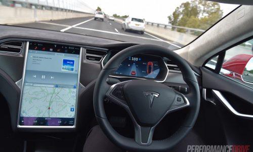 Tesla offering customers Autopilot 1-month trial version