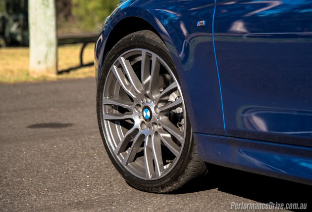 2016 BMW 320i M Sport-19in wheels