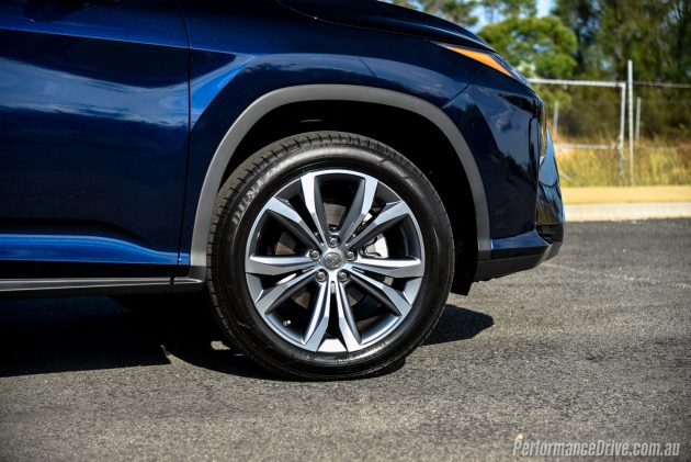 2016 Lexus RX 200t-20in wheels