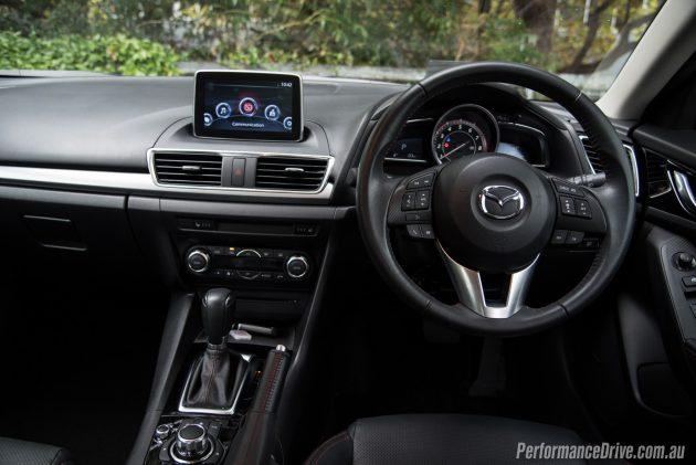 2016 Mazda3 SP25 Astina-dash