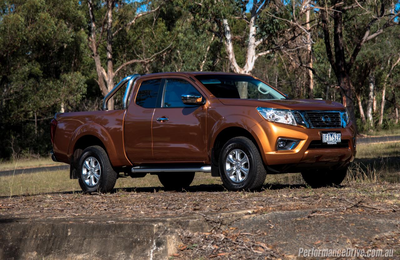 Hilux A Diesel >> 2016 Nissan Navara ST King Cab 2.3DTT review (video) | PerformanceDrive