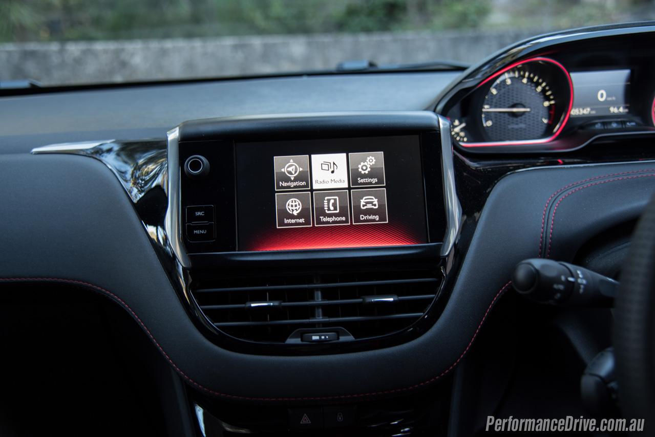 2016 Peugeot 208 GTI review (video) | PerformanceDrive