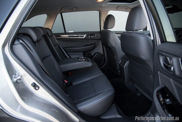 2016 Subaru Outback 3.6R-rear seats