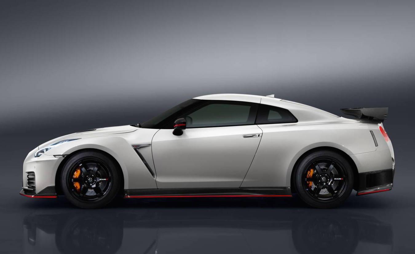 2017 Nissan GT-R Nismo unveiled | PerformanceDrive