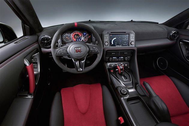 2017 Nissan GT-R Nismo-interior