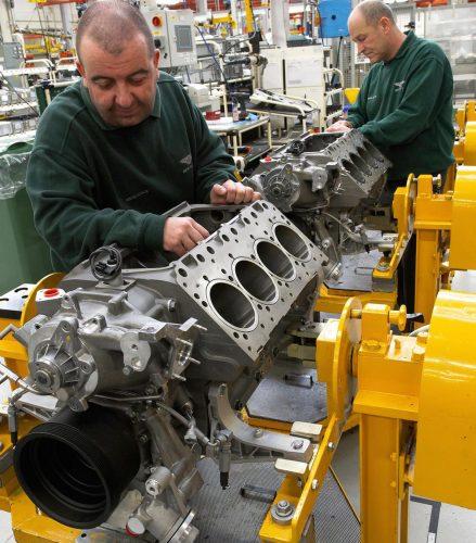 Bentley 6.75L V8-hand made
