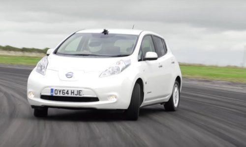 Video: Nissan LEAF gets plastic rear wheels, for fun