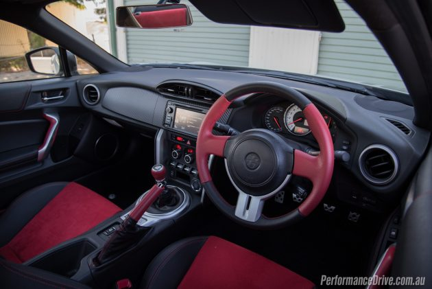 Toyota 86 TRD Blackline-interior