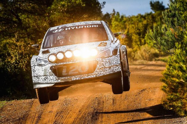 2016 Hyundai i20 R5 rally car