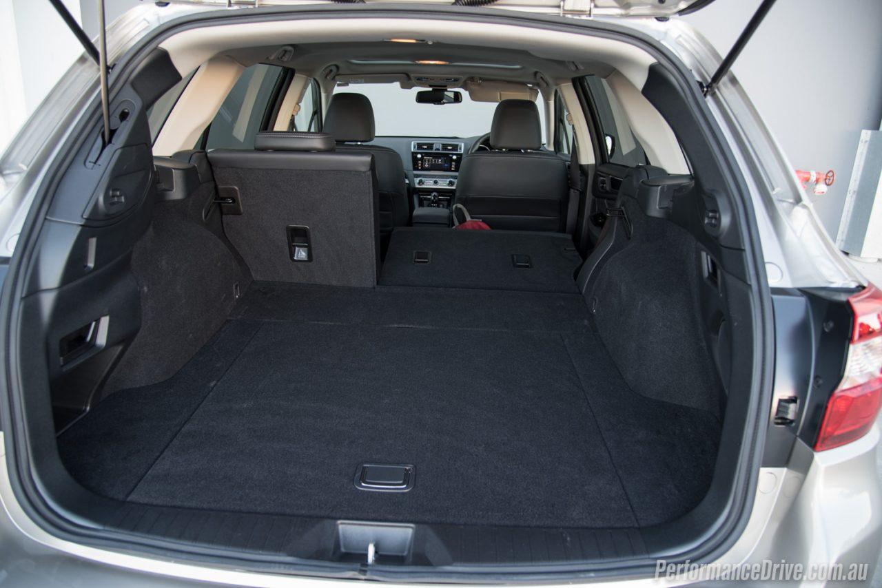 2016 Subaru Outback Vs Volkswagen Passat Alltrack