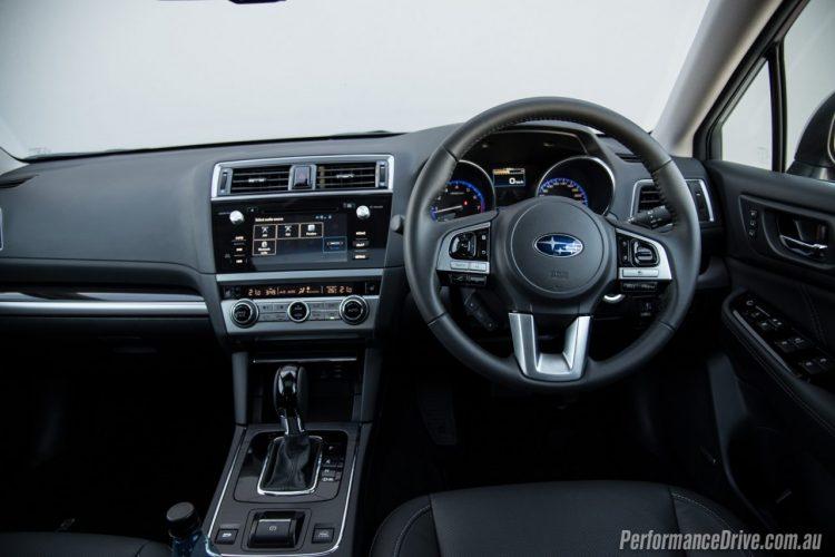 2016-Subaru-Outback-3.6R-dash