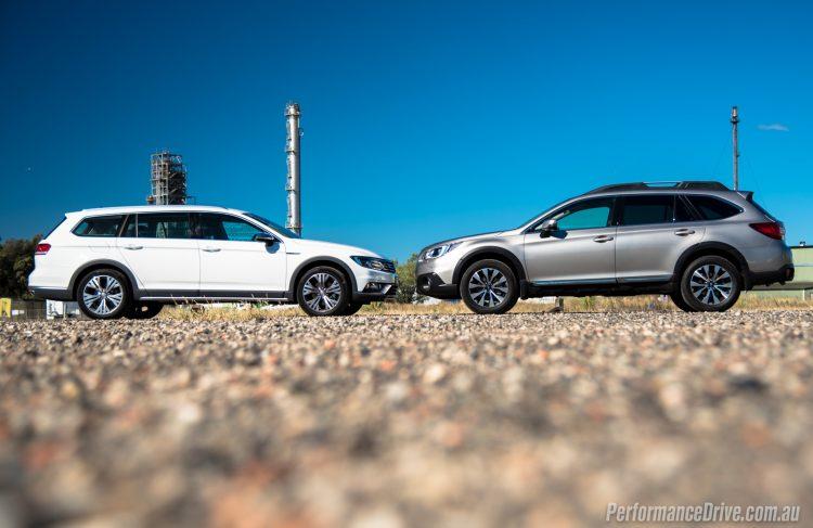2016 Subaru Outback vs Volkswagen Passat Alltrack-5