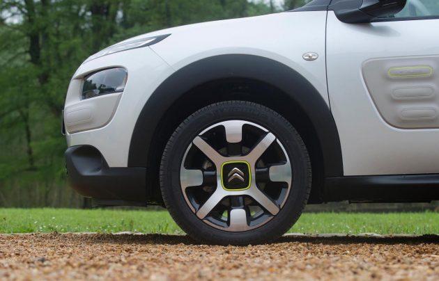 Citroen C4 Cactus-Advanced Comfort hydraulic prototype-wheels