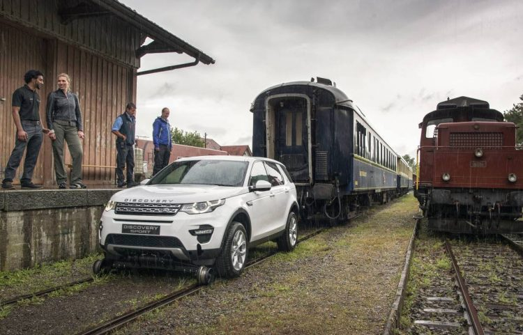 Land Rover Discovery Sport pulling train-1