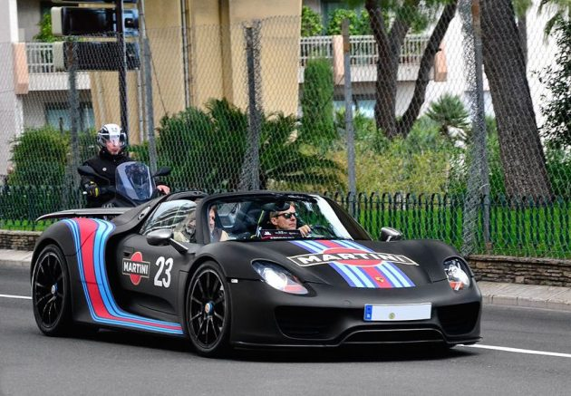 Porsche 918 Spyder with Martini theme