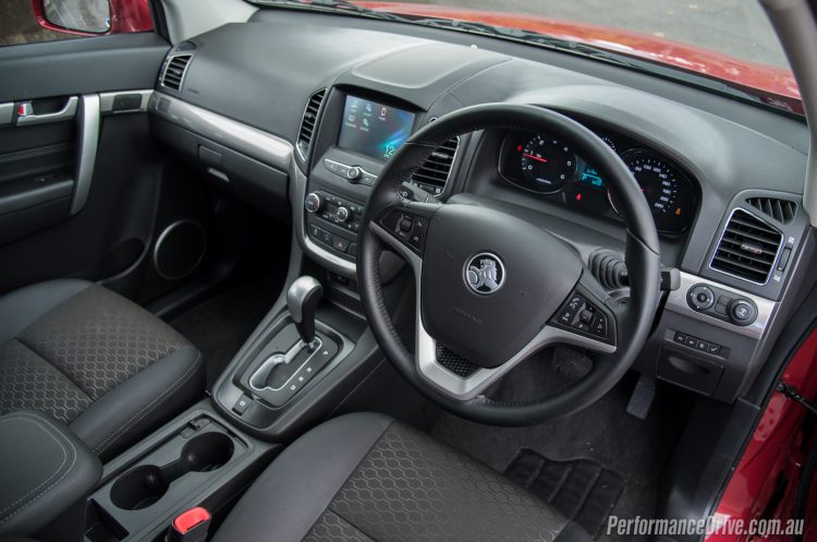 2016 Holden Captiva LT-interior