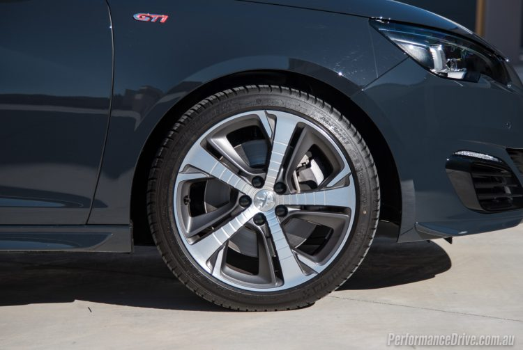 2016 Peugeot 308 GTi 250-18in wheels