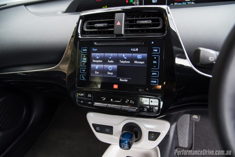 2016 Toyota Prius touch-screen