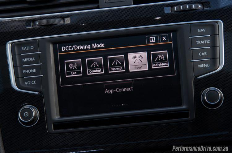 2016 Volkswagen Golf GTI-sport mode