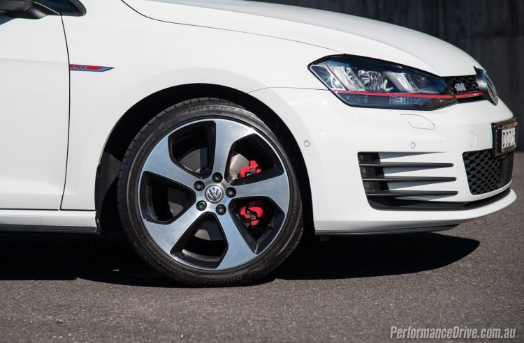 2016 Volkswagen Golf GTI-wheels