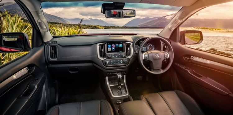2017 Holden Colorado-interior