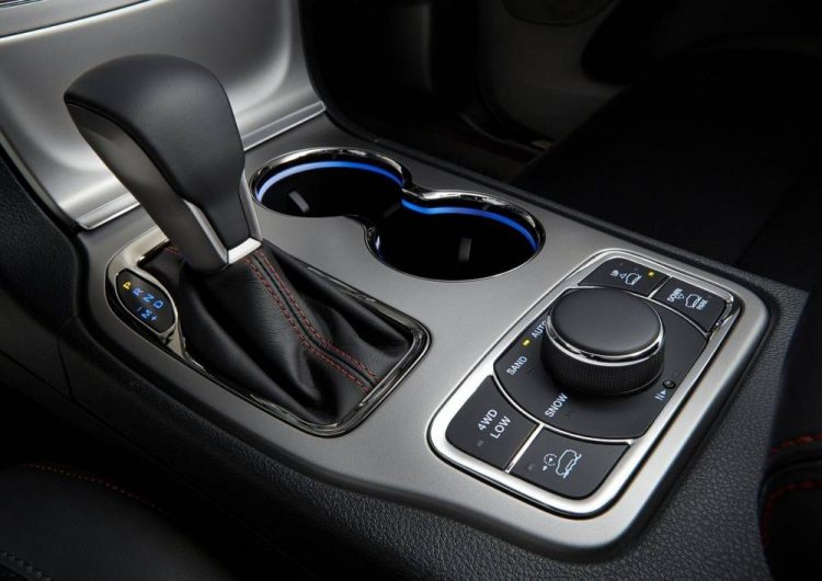 2017 Jeep Grand Cherokee gets new shifter, electric ...