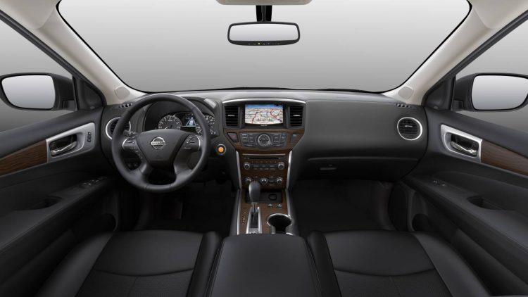 2017 Nissan Pathfinder-interior