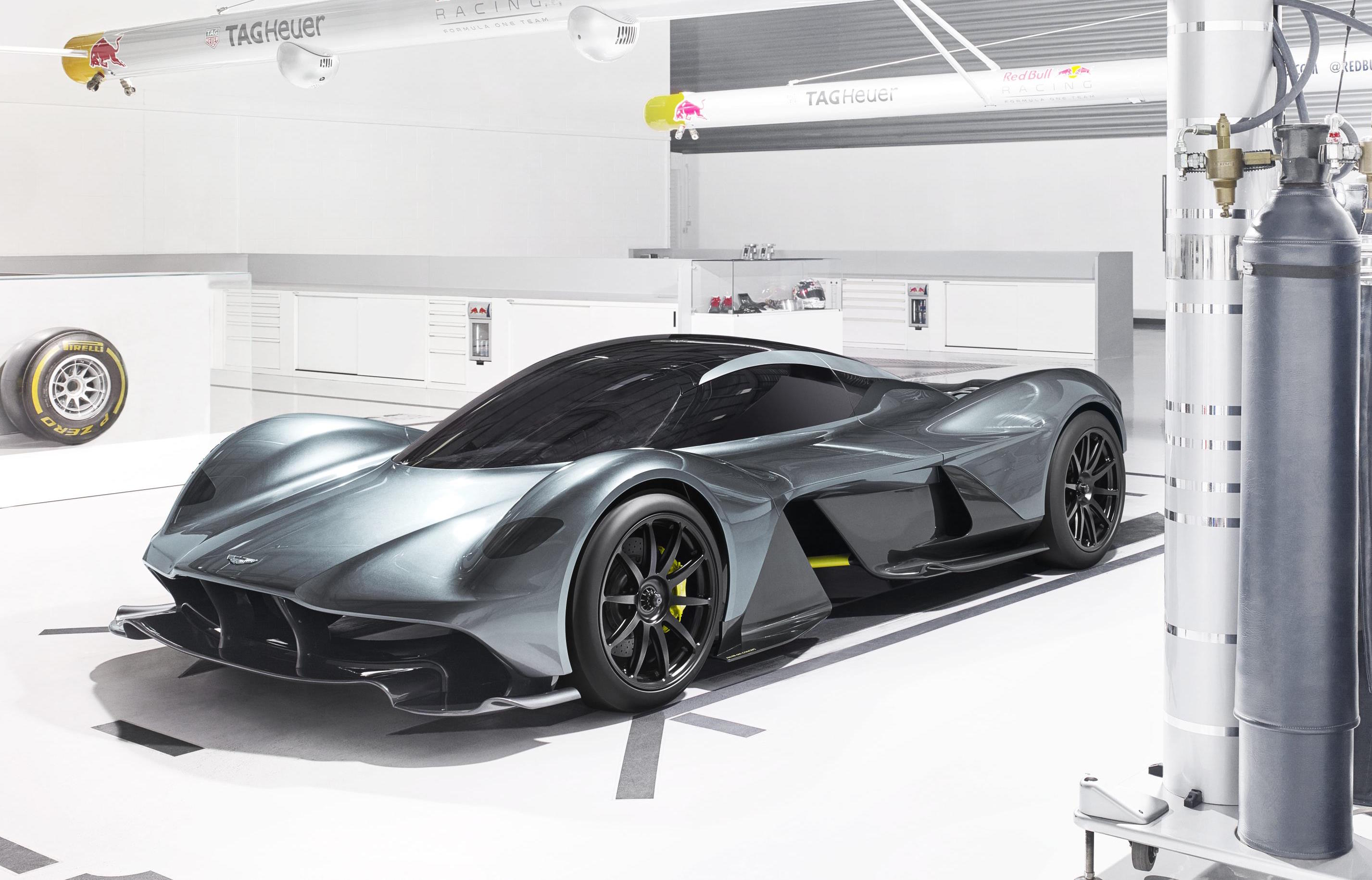 Aston Martin AM-RB 001 hypercar revealed; 1hp:1kg
