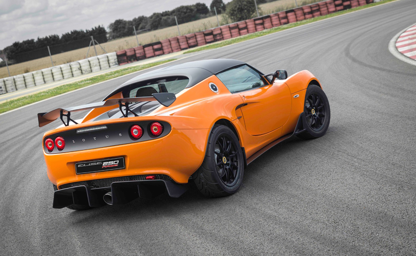 """Ford Race Red >> Lotus Elise Race 250; """"most accomplished"""" Elise racer yet ..."""